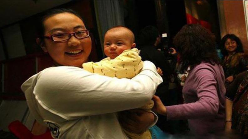中国第一个试管婴儿诞生了,与普通人没有什么不同,见证了试管技术的成熟-华夏试管网